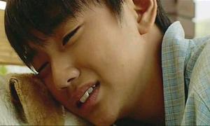 Tại sao con trai khóc là yếu đuối?