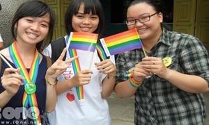 Teen Bắc Nam 'phiêu' cùng flashmob ủng hộ người đồng tính