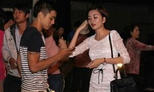Sau scandal đồng tính, Bảo Trang thân thiết với trai lạ