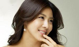 48 mĩ nam Hàn 'bồ kết' Ha Ji Won
