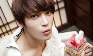 Fan Việt được tặng quà thoải mái cho Jae Joong
