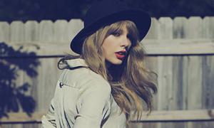Taylor Swift choáng váng vì thành công tức thì của 'Red'