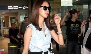 Sao Hàn mix thoải mái, tiện dụng ra sân bay