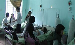 Tiền Giang: Học sinh tiểu học đồng loạt nhập viện