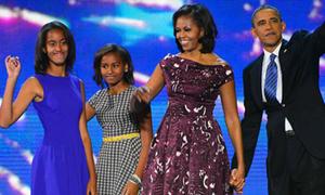 Style 'xinh dần đều' của 2 công chúa nhà Obama