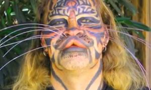 Người đàn ông hóa 'mặt hổ' đã chết
