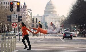Vũ điệu pose ảnh 'Nào ta cùng nhảy' gây sốt
