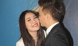 Cao Thái Sơn hôn Quế Vân trước đám đông