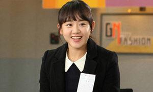 Trầm trồ vì Moon Geun Young 'bắn' tiếng Pháp trôi chảy