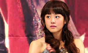 Moon Geun Young tỉnh bơ đeo trang sức 4 tỷ