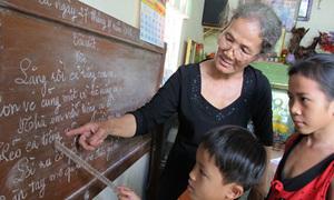'Cô giáo' 30 năm làm việc không lương