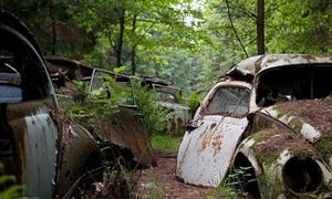 Thám hiểm khu nghĩa địa có hàng trăm xế cổ