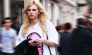 Style đời thường của siêu mẫu lưỡng tính xinh đẹp