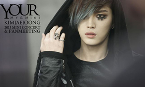 Jae Joong hát theo yêu cầu trong mini concert