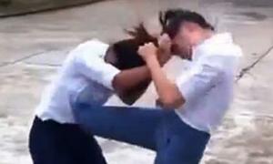 Nữ sinh cấp 2 đánh nhau như côn đồ