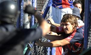 Xả súng kinh hoàng ở giải bóng đá Argentina