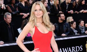 Jennifer Lawrence - cô nàng kém duyên với váy Oscar