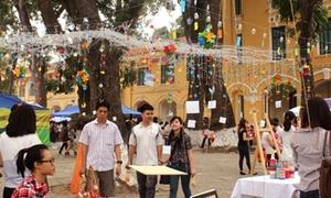 Hội chợ handmade lung linh với hàng trăm chiếc chuông gió