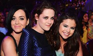 Kristen Stewart ngồi lên đùi Katy Perry