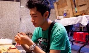 Quang Đăng đau đầu học làm trang sức tặng bạn gái