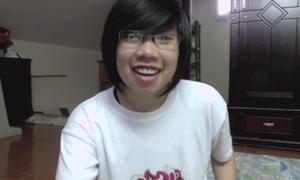 Lee D, nữ vlogger 'phi giới tính'