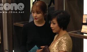 Yoon Eun Hye khoe sắc bên diva Mỹ Linh