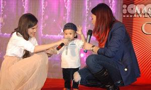 Thanh Thảo hát cùng 'con' trên sân khấu