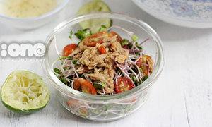 Salad cá ngừ ngâm ớt mix cải mầm ngon tuyệt