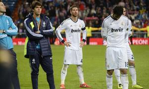 Real thất vọng não nề nhìn Atletico giương cup