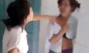 Những vụ làm nhục nữ sinh gây chấn động
