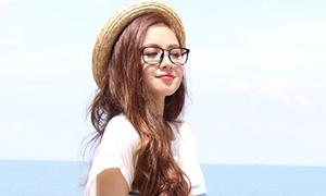 Tâm Tít khoe xì tai cực yêu đi chơi biển