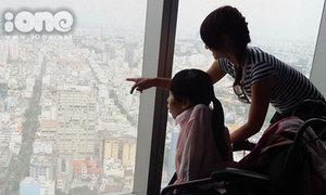 20 bạn trẻ khuyết tật chinh phục tòa nhà cao nhất TP HCM