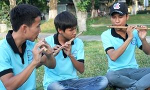 Nhóm bạn trẻ Huế đam mê sáo trúc