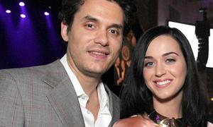 Katy Perry tươi rói nắm tay tình cũ