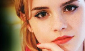 Makeup tàn nhang kiểu Emma Watson thành mốt hot