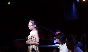 Phương Mỹ Chi hát 'Sa mưa giông' gây xúc động mạnh