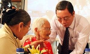 Bỏ ưu tiên cộng điểm cho mẹ Việt Nam anh hùng