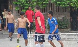 Học viên HAGL cầm hòa Arsenal trong trận đấu 'gôn tôm'