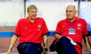 HLV Arsene Wenger thích thú khi Việt Nam ghi bàn