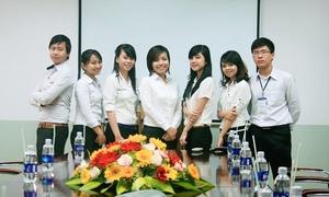 Sinh viên FPT lập công ty sách