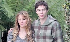 Jennifer Lawrence tái hợp với tình cũ