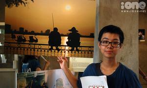 Triển lãm ảnh 'made by teens' thu hút giới trẻ