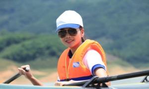 Thanh Hằng rủ fan chinh phục sông Đà