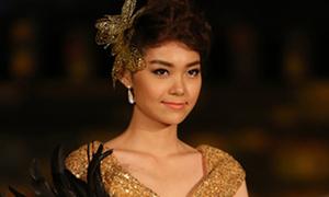 Minh Hằng quyến rũ với thời trang Pháp