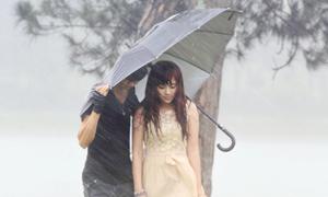Lan Trinh gặp bão ở Đà Lạt