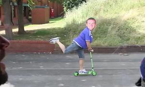 'Rooney' bụng phệ học đòi làm 'Running man'
