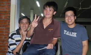 'Ét-vê' Việt cùng bạn bè quốc tế giúp người khuyết tật