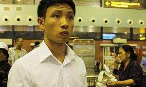 'Running man' ngơ ngác ở sân bay Nội Bài
