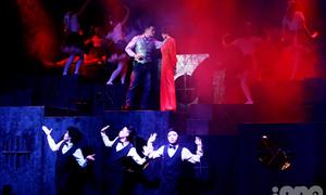 'Mưa' lời khen cho nhạc kịch trinh thám 9X