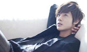 Kim Hyun Joong từng diệt gián để kiếm tiền